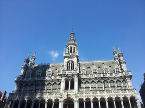 A sunny Grand Place