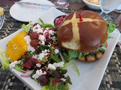 Amazing burger + salad in Twillingate!