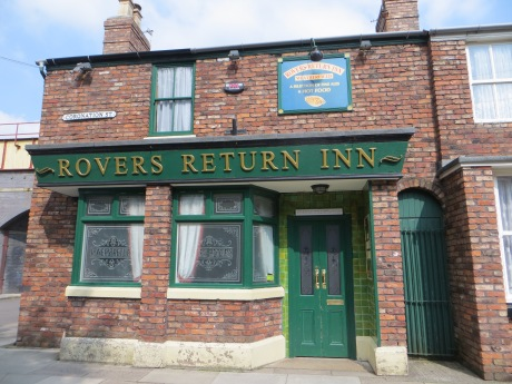 Confession time: one of the highlights of my month was touring the Coronation Street set with my mum & sister!
